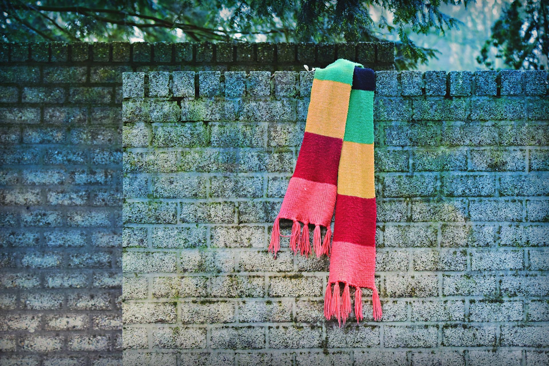 scarf-4849441_1920